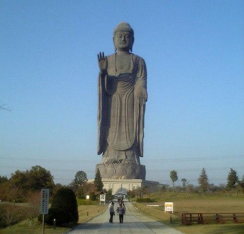 Самое высокая статуя в мире